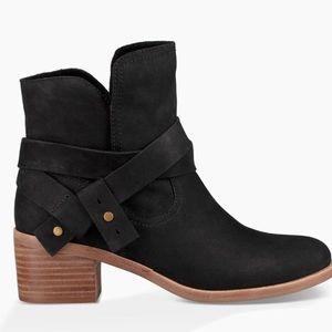 Ugg Elora booties stacked heel black size 12